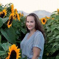 Annabelle Czihaly bio photo